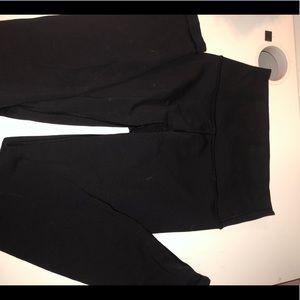Black Lululemon leggings~ Wunder Unders